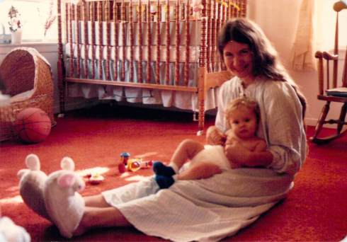 eliz and mommy 6-1984
